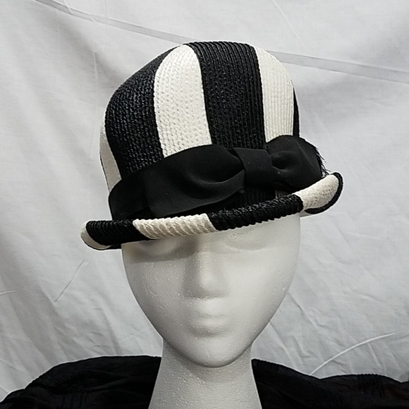 Vintage black and white hat. M 5bf2f8cdd6dc523903d23848 3df16fa88ee